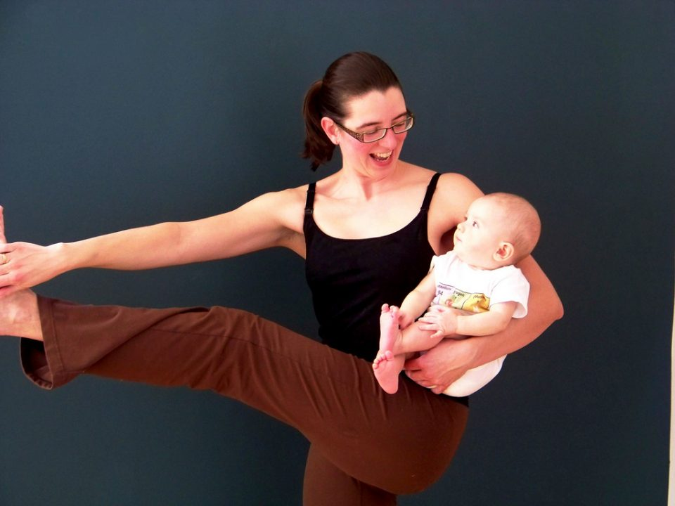 post natal mom yoga with baby